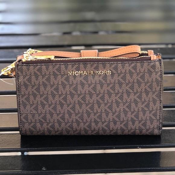 8ba8068580ca Michael Kors Bags | Jet Set Double Zipper Phone Wallet | Poshmark